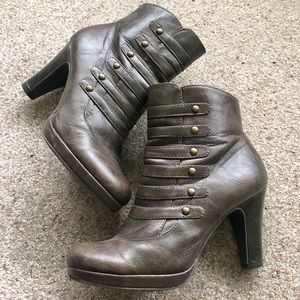 Hot Kiss Brown Heeled Boots Size 7.5